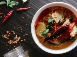 Chili Gericht in Suppenschüssel