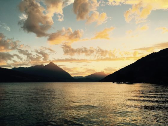 Abendstimmung am Thuner See Nähe Interlaken