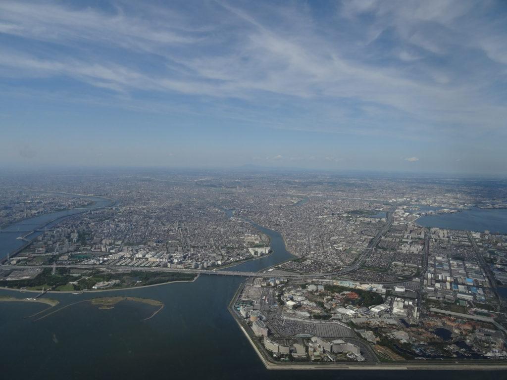 Tokyo und das Umland beim Landeanflug auf den Airport von Haneda